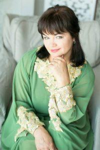Женщина в зелёном платье, Лилэя
